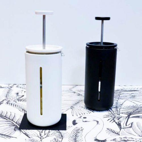 cafetière piston noire ou blanche